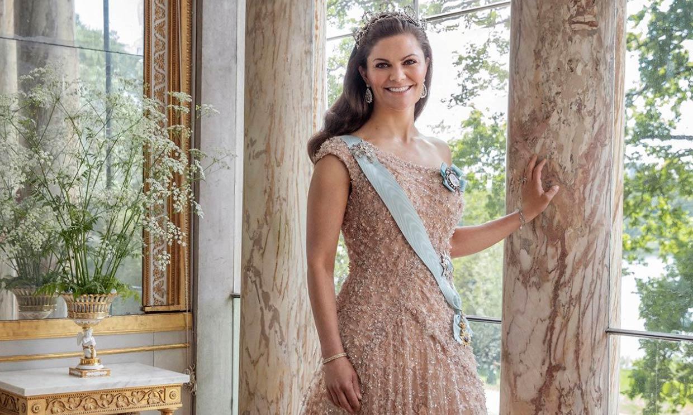 ¡Espectacular! Victoria de Suecia recupera el fabuloso vestido de su preboda 10 años después