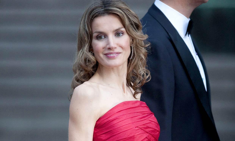 Doña Letizia conquistó Estocolmo hace 10 años con este vestidazo rojo