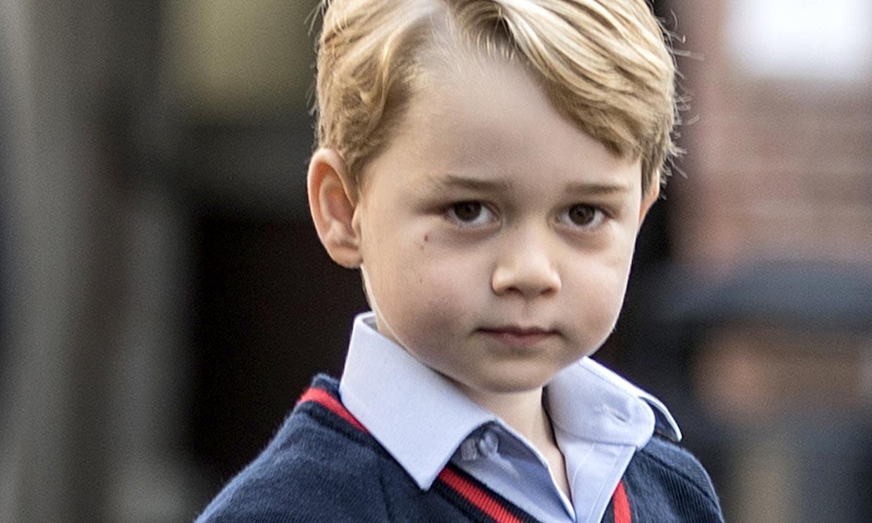 ¡De celebración! El príncipe George confirma su color favorito con un polo español de 5 euros