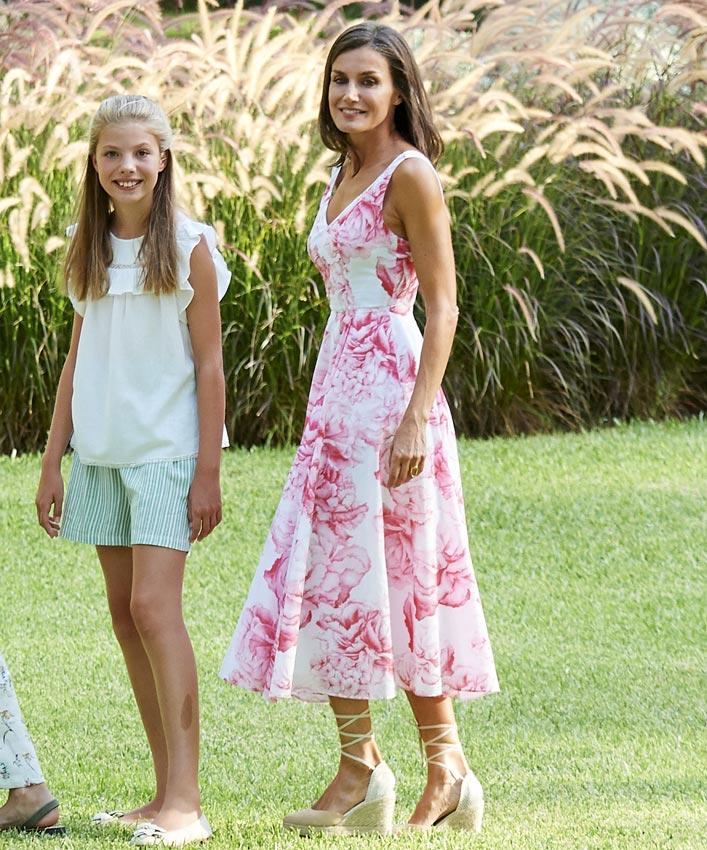 Reina Letizia, Mallorca vestido de flores