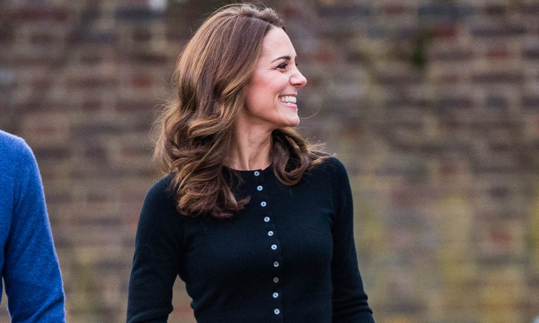 12 formas de llevar la falda midi plisada según Kate Middleton y otras 'royals'