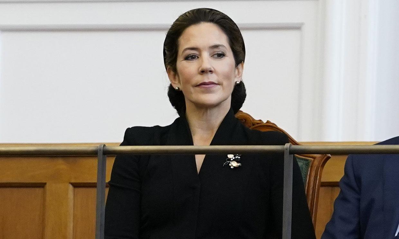 Mary de Dinamarca se marca un 'Jackie Kennedy' con este accesorio