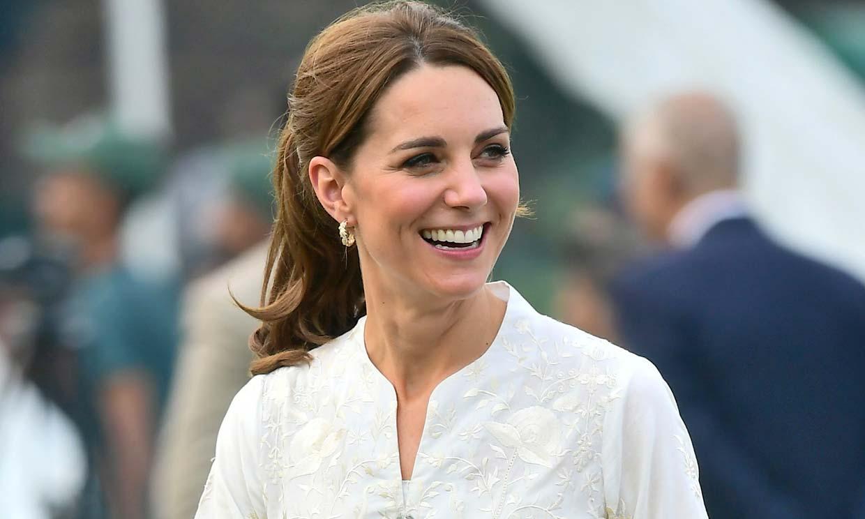 El aplaudido gesto de Kate Middleton al volver a ponerse un 'shalwar kameez'