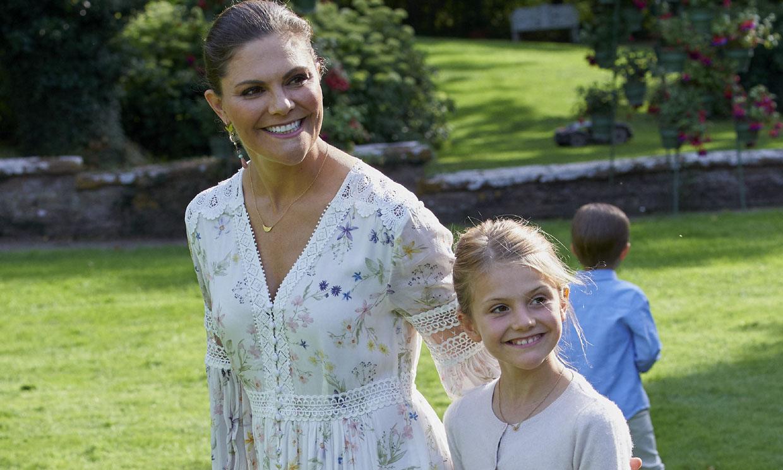 Las siete veces que Estelle de Suecia se inspiró en su mamá, la princesa Victoria