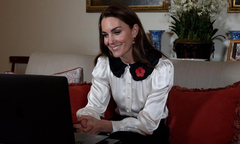 Kate Middleton, pura tendencia con su nueva blusa 'Boo'
