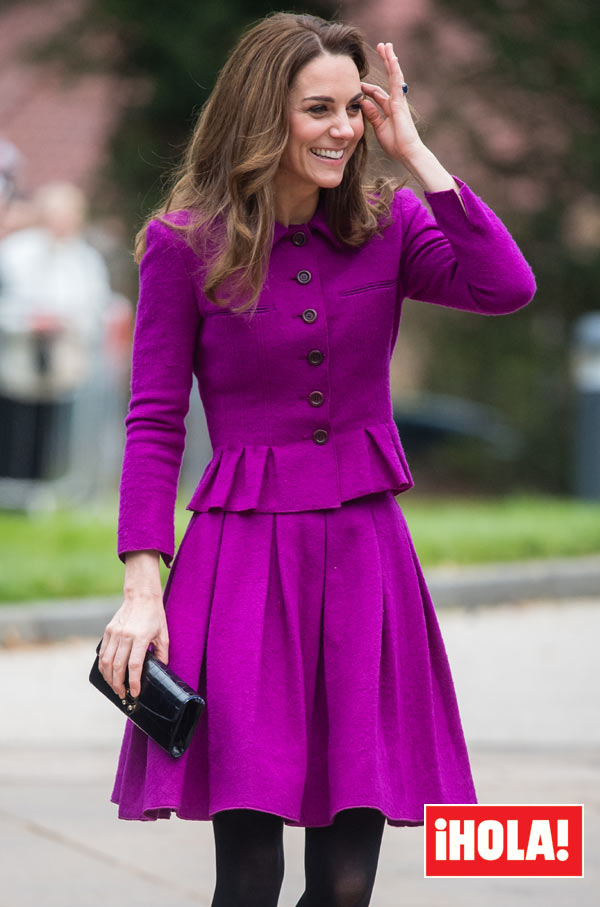 Kate Middleton con vestido morado