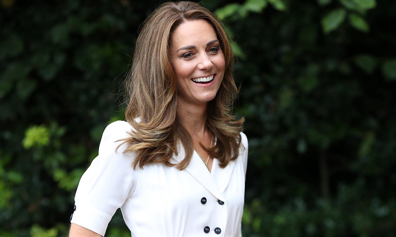 Kate Middleton rompe sus propias normas de moda con una nueva blusa 'babydoll'