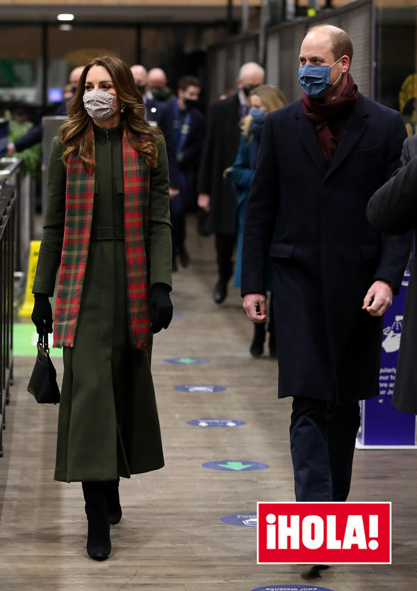 Kate Middleton y el príncipe William en la estación de Euston