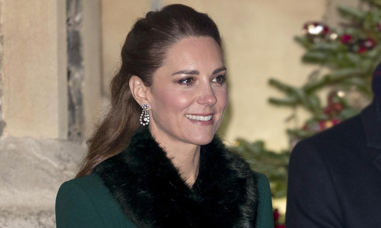 De verde y con falsa piel: Kate finaliza su viaje de los cambios de looks estratégicos