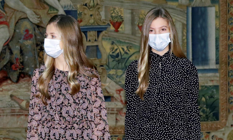 Leonor marca la diferencia con sus tacones y Sofía acierta con vestido de lunares por 30 euros