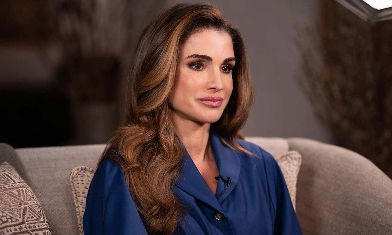 Rania de Jordania, elegante e innovadora en su retorno con el vestido 'Winged'