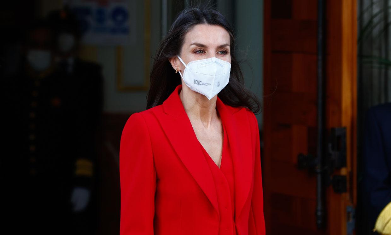 Doña Letizia recupera el traje rojo con truco que renovó su vestidor y figura como favorito