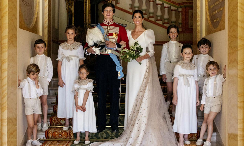 El mismo tul bordado, el precioso detalle que unió a los niños de arras con Belén Corsini