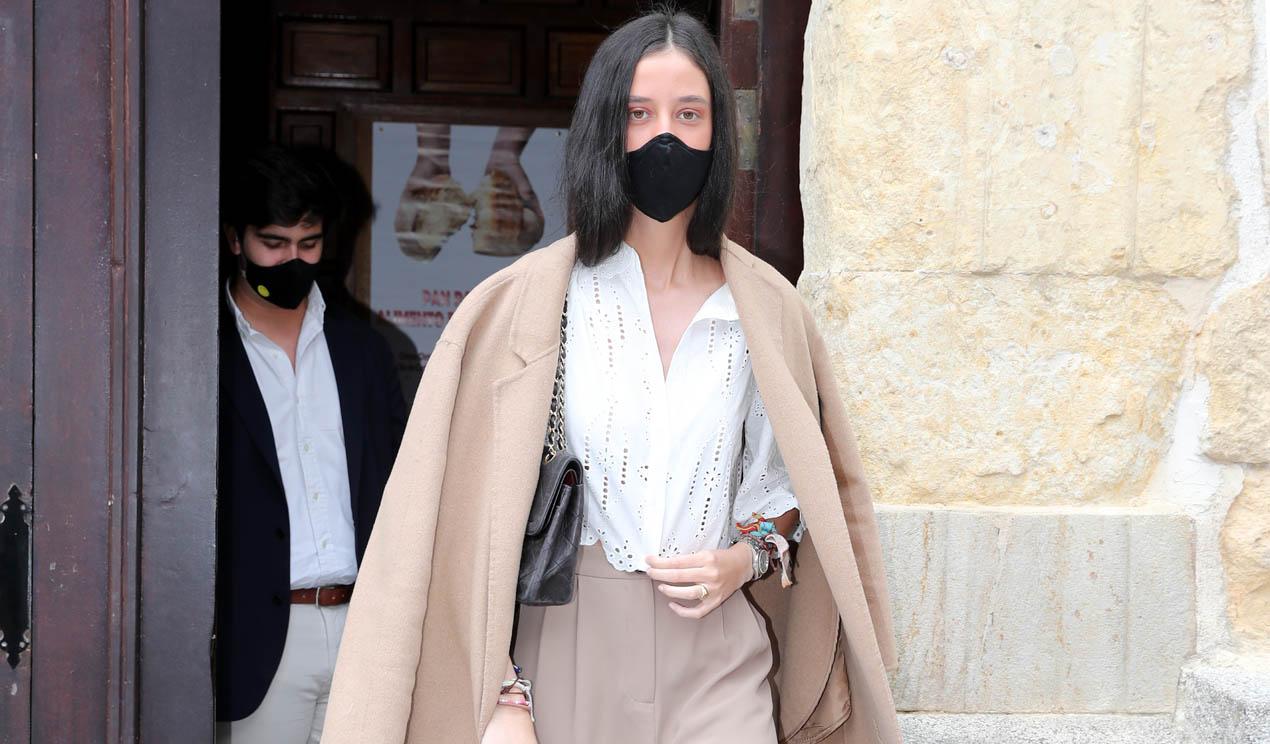 Victoria de Marichalar y el look de bautizo con el que reafirma su gusto por la moda casual