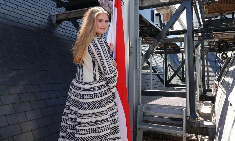 Amalia de Holanda se suma al fenómeno de los vestidos bordados que gustan a las jóvenes 'royals'