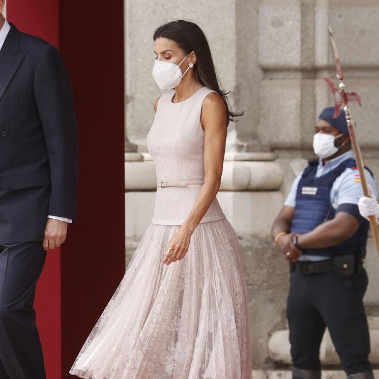 Doña Letizia rescata su romántico vestido de bailarina para recibir al presidente de Corea del Sur