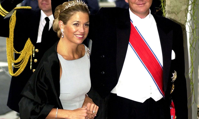 El debut de Máxima de Holanda ante la realeza con vestido liso y calzado plano 20 años atrás