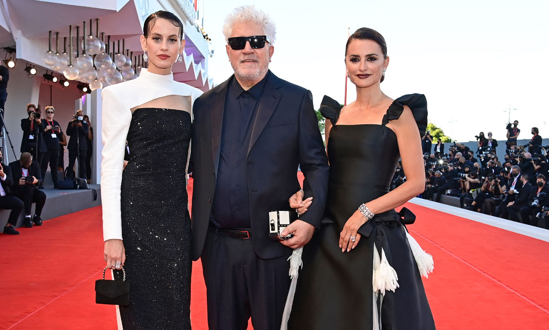 Tres vestidos de alta costura para las 'Chicas Almodóvar' en su gran noche veneciana