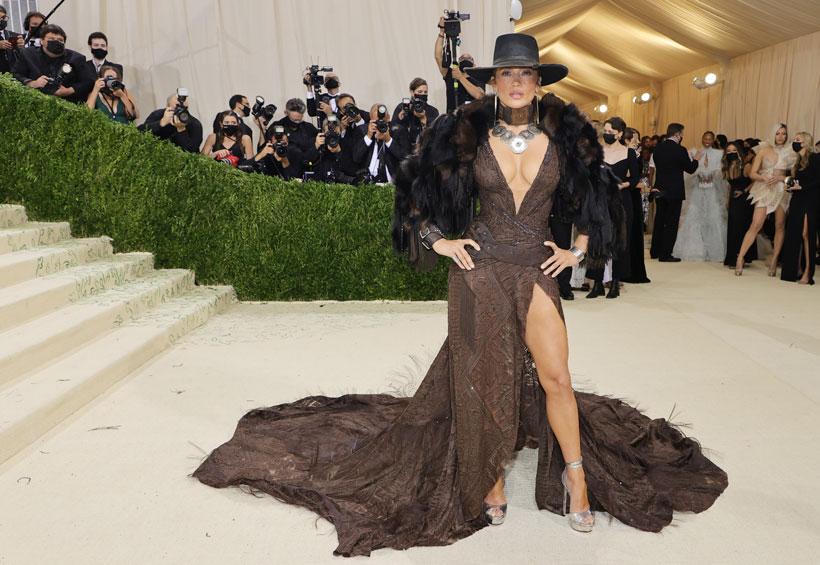 Gala MET 2021: Jennifer Lopez se convierte en