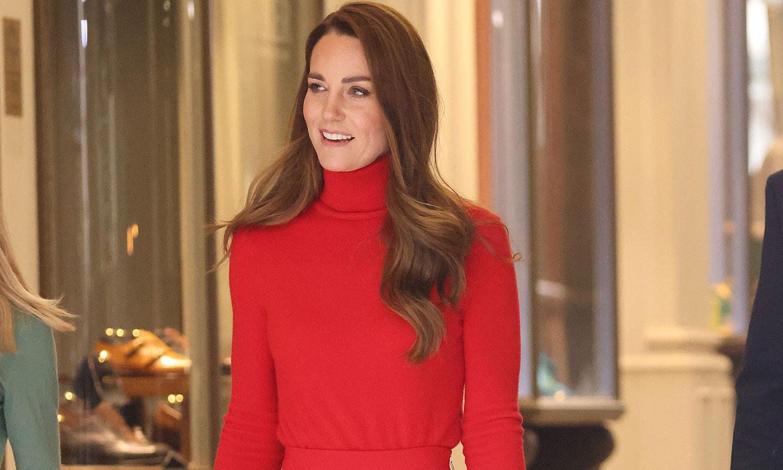Kate se transforma en 'la mujer de rojo' con ayuda del bolsito español que inspiró Meghan