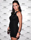 Adriana Lima ya luce 'tripita' de embarazada