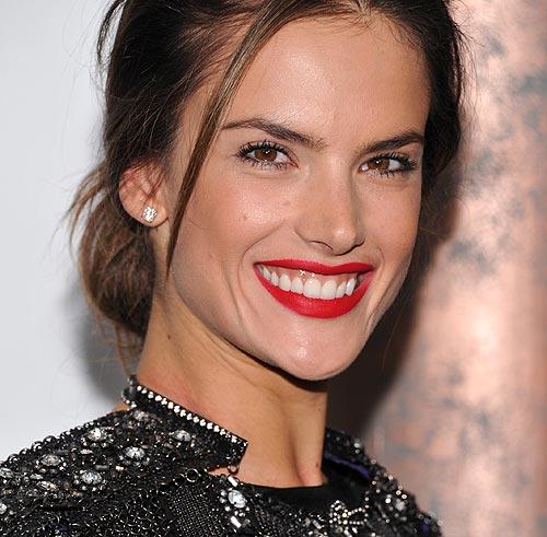 Alessandra Ambrosio se convierte en la 'mejor modelo' de 2010