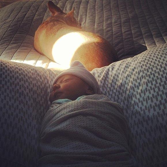 Mini Anden da a luz a su primer hijo, Felix Schroeder