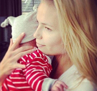 Natasha Poly nos presenta en 'Instagram' a su hija, Aleksandra Christina