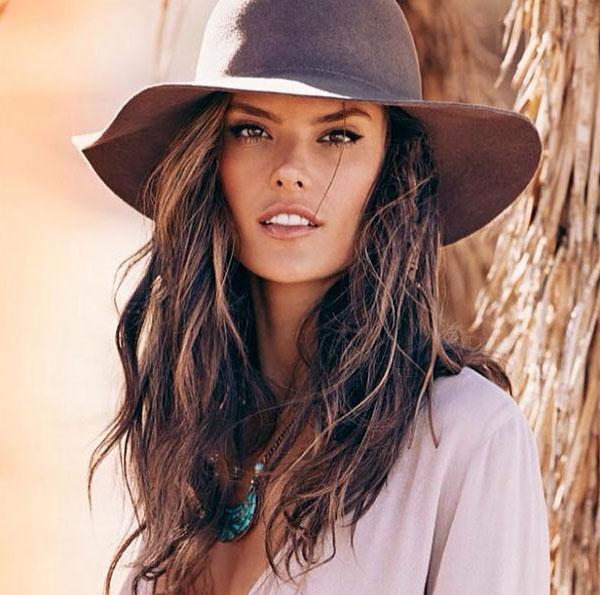 Alessandra Ambrosio nos presenta sus propuestas como diseñadora de moda