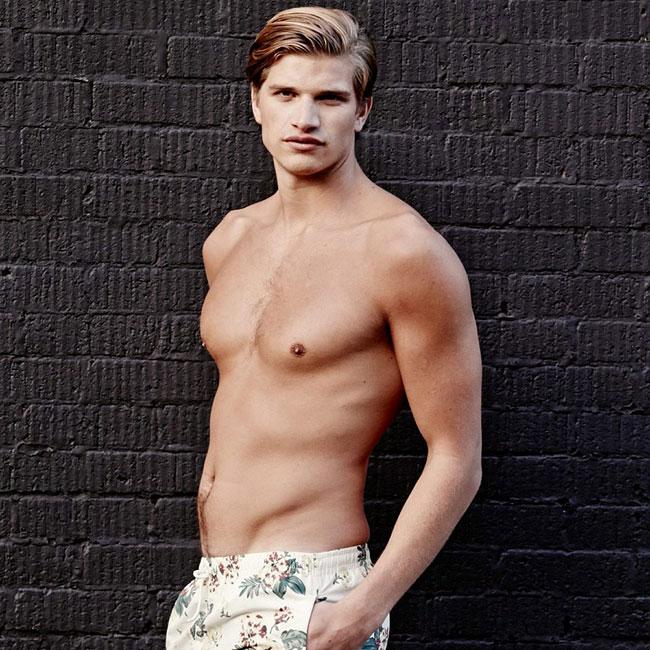 Toby, el nuevo modelo masculino 'super hot': ¿Sabes quién es su seductora y famosísima hermana?