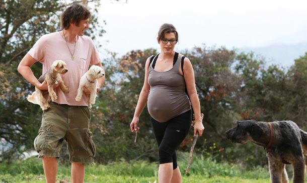 'Baby bump': La dulce (y campestre) espera de Milla Jovovich