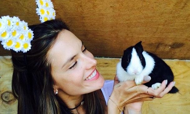 Alessandra Ambrosio, Miranda Kerr o Gisele Bündchen, entre otras 'top', nos felicitan la Pascua