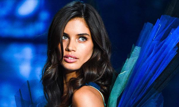 Confidencias con Sara Sampaio o cómo cambia tu vida tras ser elegida 'ángel'