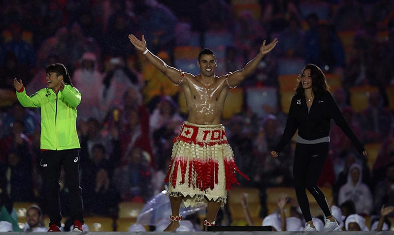 Pita Taufatoufa, de las Olimpiadas ¡a la pasarela!