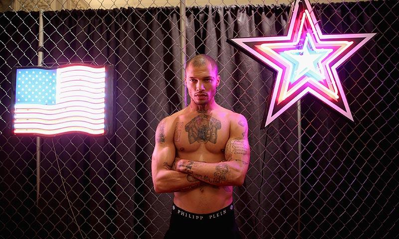 Jeremy Meeks, el (ex) preso más 'sexy' del mundo, luce tatuajes y músculos en Nueva York