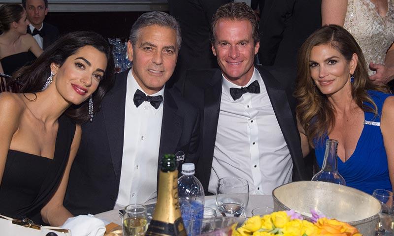Cindy Crawford y el regalo perfecto (¡con nombre bordado!) para los hijos de Amal y George Clooney