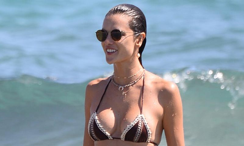 Alessandra Ambrosio, Izabel Goulart, Blanca Padilla... Los bikinis y cuerpos top en la playa