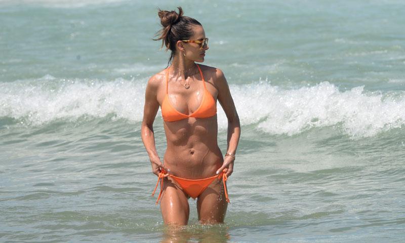 Lo que podrás saber después de ver a Alessandra Ambrosio en bikini