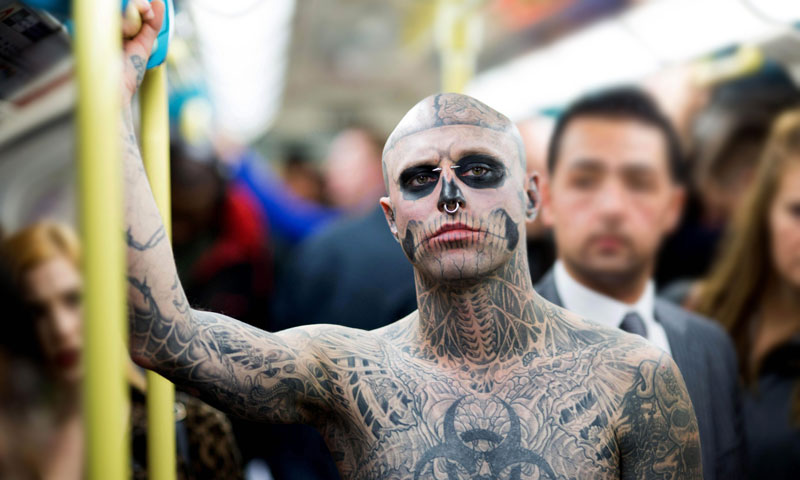 Fallece a los 32 años el icónico modelo Rick Genest, 'Zombie Boy'