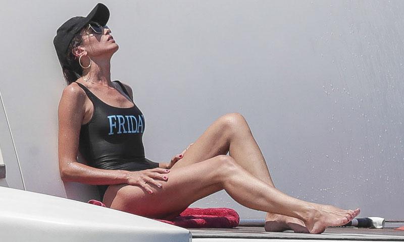 Nieves Álvarez, espectacular en sus posados improvisados en Ibiza