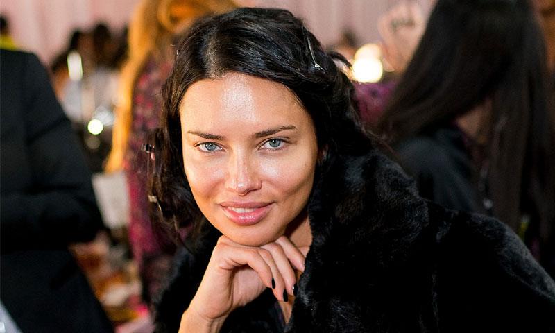 Adriana Lima se sincera en HOLA.com ante su último desfile: 'Creo que este es mi mejor año'