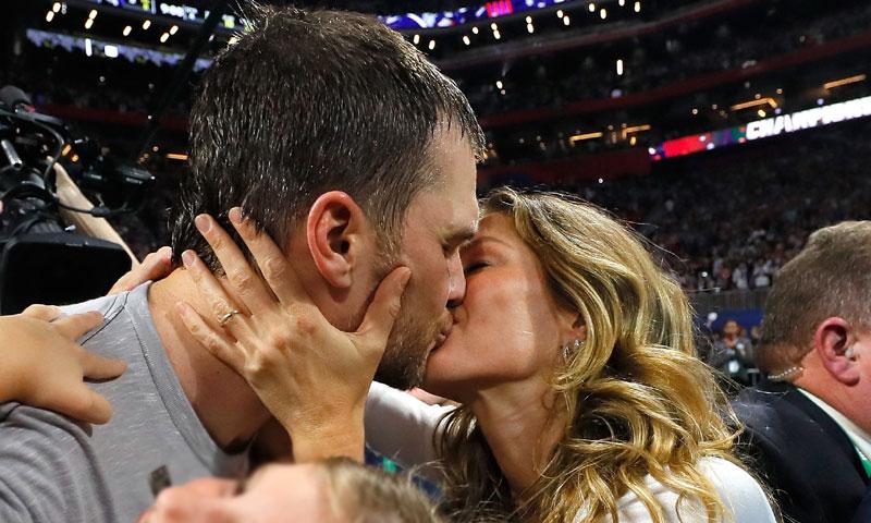 Gisele Bündchen, Tom Brady y el beso de la victoria: la imagen viral de la Super Bowl