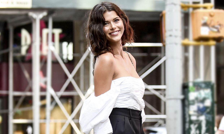 Georgia Fowler se une al club de las modelos que han desfilado embarazadas