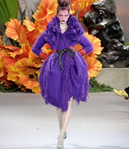 Las propuestas de John Galliano para Christian Dior, en la inauguración de la Alta Costura otoño-invierno 2010-2011