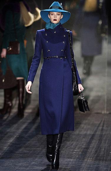 ec0af41f5 Milán: Arrancan sus desfiles con la moda para otoño-invierno 2011-2012