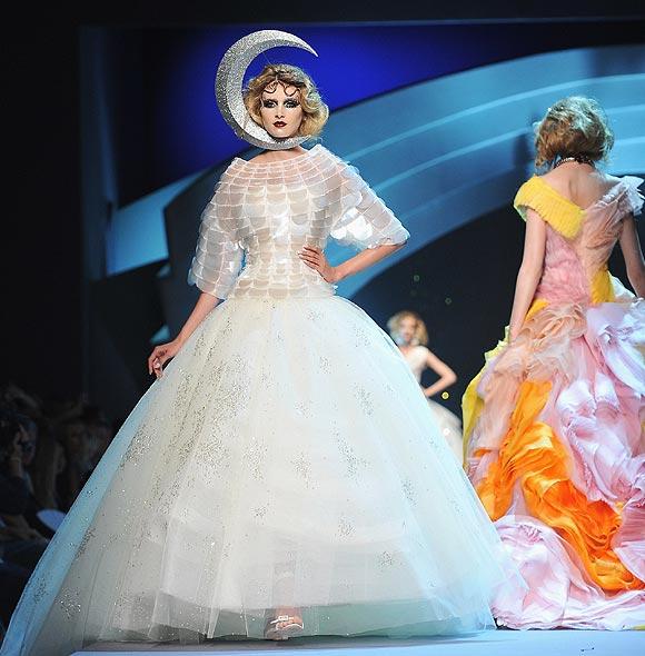 Encantador Vestidos De Novia Dior Ideas Ornamento Elaboración ...
