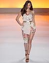 Irina Shayk, sensual modelo sobre la pasarela de Sao Paulo