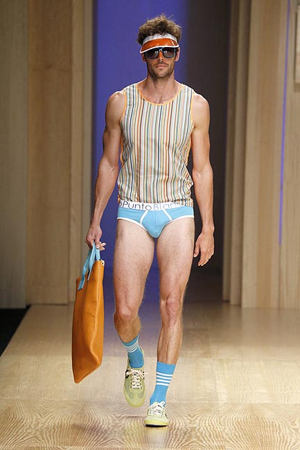 Jornada llena de contrastes en 080 Barcelona Fashion primavera-verano 2014
