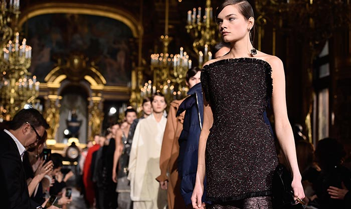 Stella McCartney y Giambattista Valli inauguran la recta final de París Fashion Week