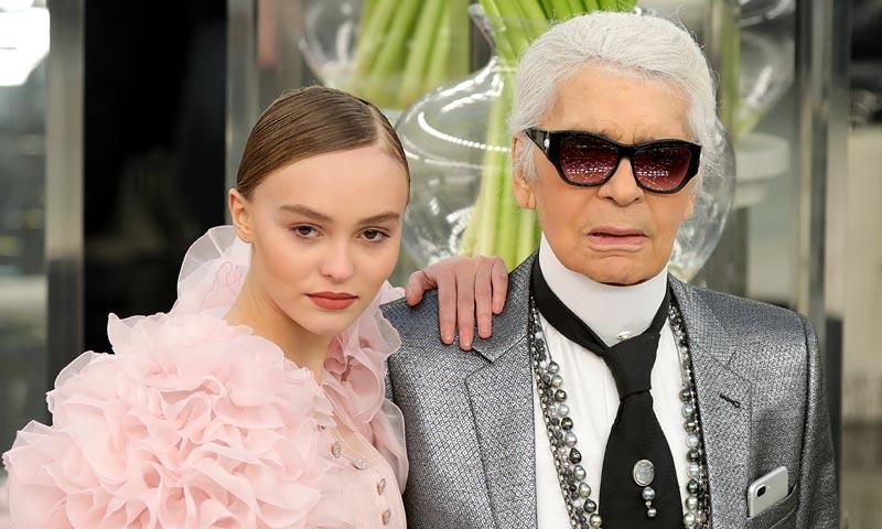 Lily-Rose Depp desafía los cánones de la Alta Costura y se sube a la pasarela de Chanel